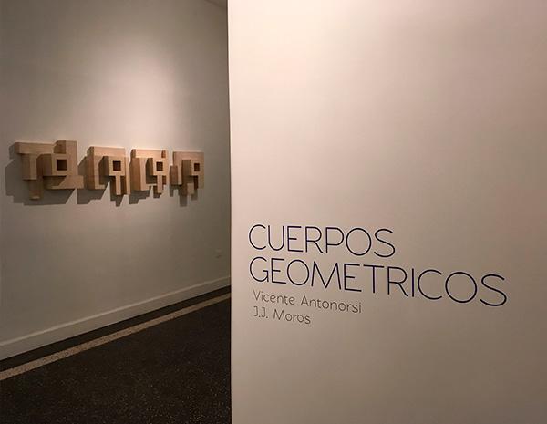 <strong>Cuerpos Geométricos Vicente Antonorsi y J.J. Moros</strong><br>Viloria Blanco Galería<br>Maracaibo, 2016